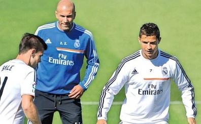 Zidane'den Ronaldo s�zleri! 'Messi ile rekabeti onu itiyor'
