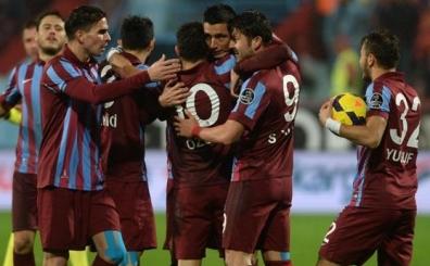 Trabzonspor'da 3 y�ll�k imza a��kland�! Y�ll�k 3,5 milyon TL...