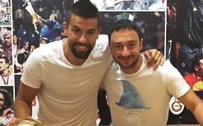 Galatasaray'a Baros s�rprizi