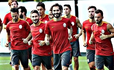 Galatasaray'da ayr�l�klar pe�pe�e gelecek! ��te o karar...