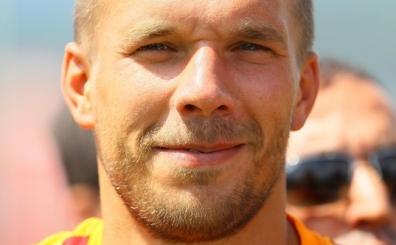 Sabri'nin Lukas Podolski s�z�: 'Topa insan gibi vurmuyor...'
