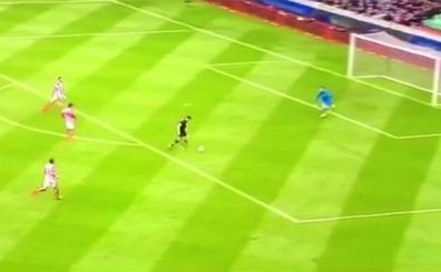 Ve Avrupa bu gol� konu�uyor! Gerrard'dan bilerek gol yediler...