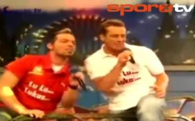 Galatasaray taraftar�n� ��ld�rtan Lukas Podolski �ark�s�