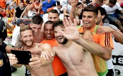 Valencia Devler Ligi biletini kapt�! Sevilla i�in bir ihtimal...