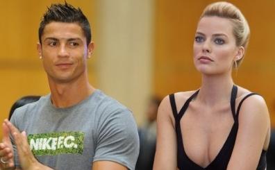 Cristiano Ronaldo, yollad��� foto�raflar� be�enince patlad�