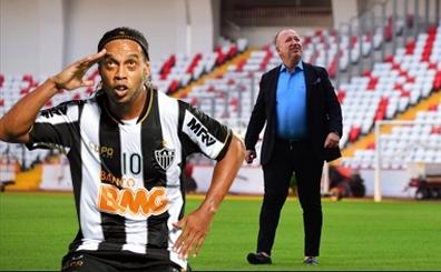 Herkes Ronaldinho'yu bekledi; bu transfer yine olmad�, yine...