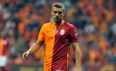Lukas Podolski i�in yeni iddia: 'O ma�ta oynamayacaks�n'