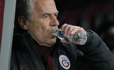 Mustafa Denizli, futbolcular�n� tam 27 y�l �ncesine g�t�rd�...
