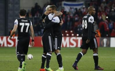 Beşiktaş tarih yazmaya yakın! Mario Gomez ve Cenk Tosun...