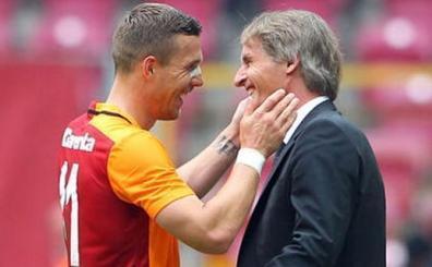 'Galatasaray'da mutsuz ve ailesi de endişeli. Gitmek istiyor...'