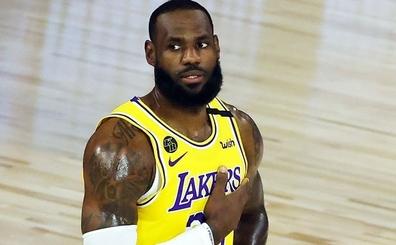 LeBron, Lakers'ın hücum sıkıntıları için: 'Bazı saha dışı durumlar var...'
