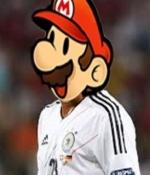 Ve Gomez'i, 'Super Mario' yapt�lar!..
