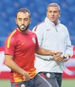 G.Saray'da herkes tek tek Benfica i�in s�z verdi: 'Hocam...'