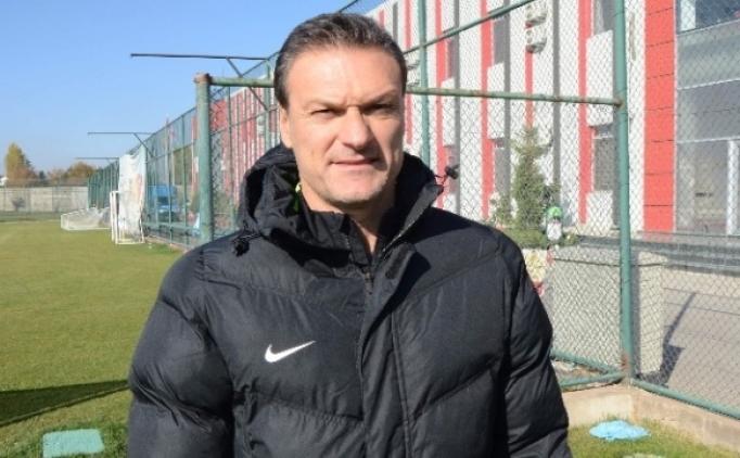Alpay Özalan: 'Mersin'i yenip Sivas maçını unutmak istiyoruz'