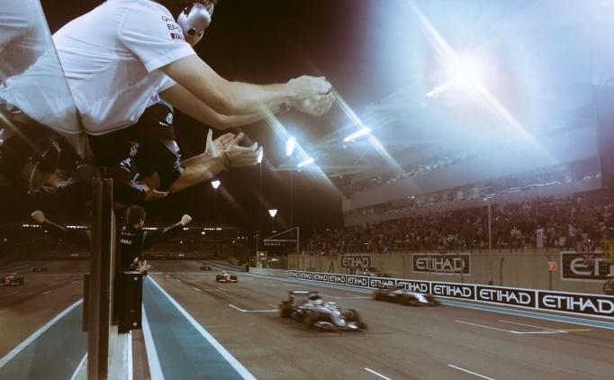 Formula 1'de şampiyon Nico Rosberg belli oldu!