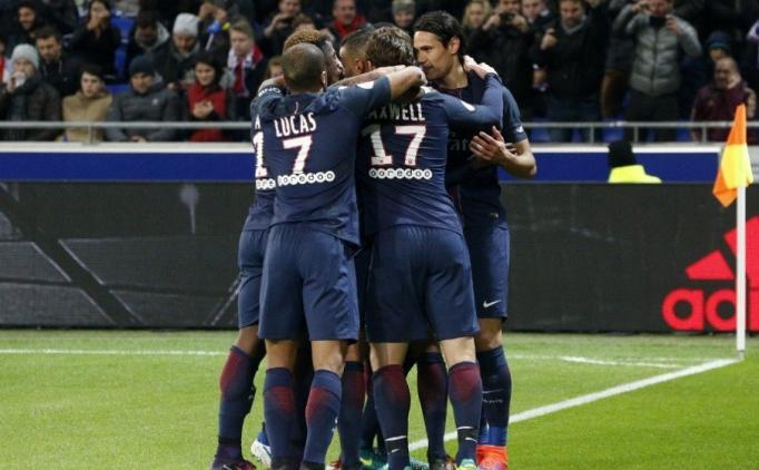 PSG, Cavani ile Lyon'u geçti!