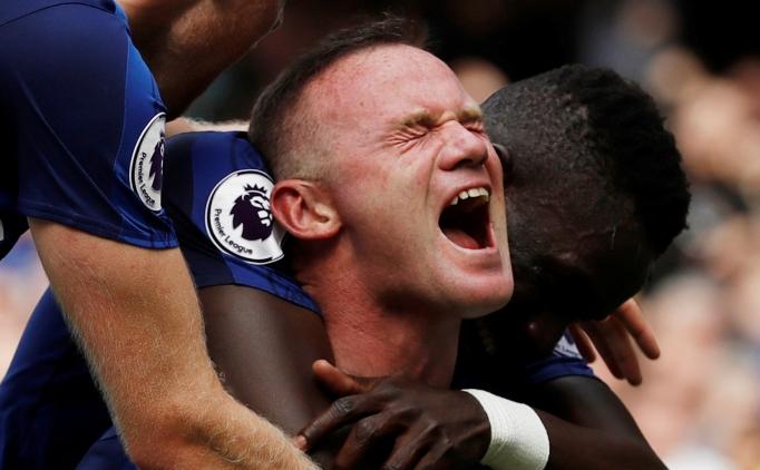 Rooney geldi ve Everton'da parti başladı!