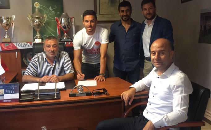 Ümraniyespor, Konyaspor'un golcüsü Rangelov'u aldı