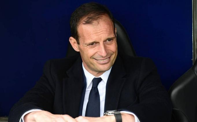 Barca'dan rakibinin teknik direktörüne teklif!