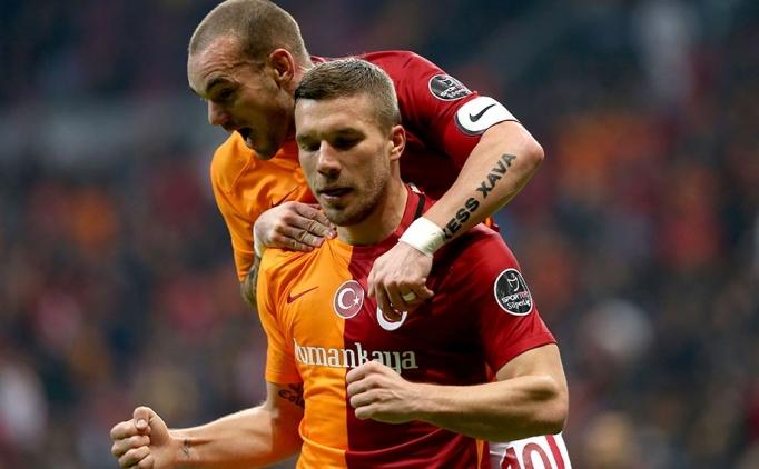 Derbi öncesi Podolski ve Sneijder'e özel ilgi!