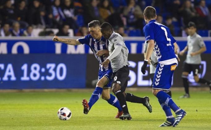10 kişi Alaves, Deportivo'yu eledi! Emre Çolak ise...
