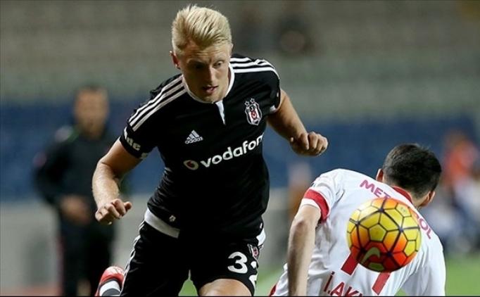 Hamburg, Beşiktaş forması giyen Andreas Beck'i istiyor