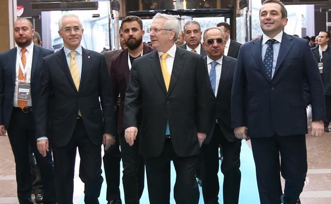 Fenerbahçe'de gelecek sezon için kritik toplantı!