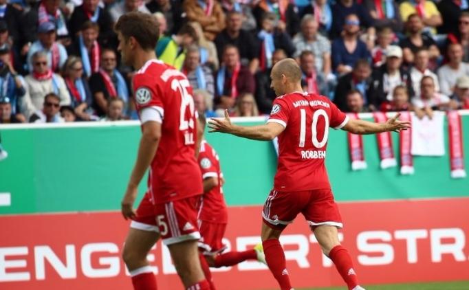 Bayern Münih kupada gol oldu, yağdı