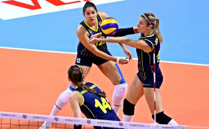 Fenerbahçe, set vermeden yarı finalde