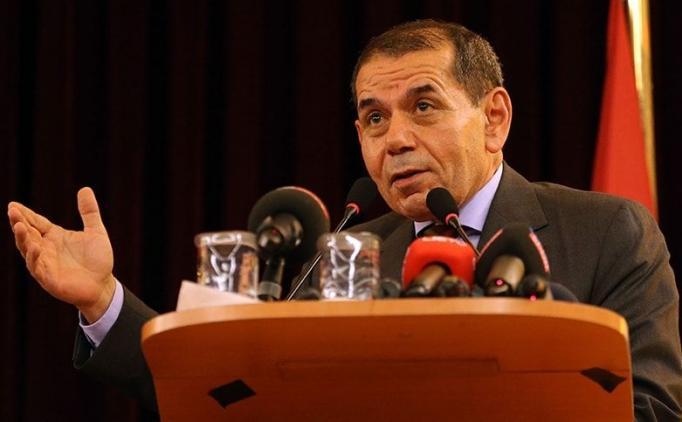 Dursun Özbek, 7 Galatasaraylı ismi alkışlattı