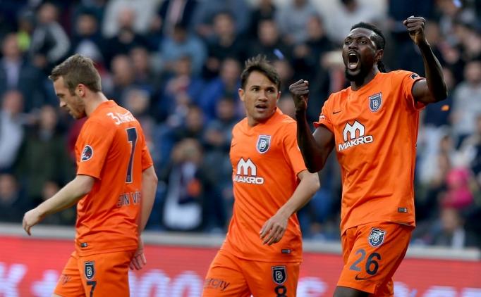 Başakşehir'de 8 futbolcu kadroya alınmadı