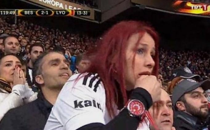 Olay yarattı; Kızıl saçlı Beşiktaş taraftarı kim? TRT 1'deki kızıl saçlı kadın Beşiktaş taraftarı