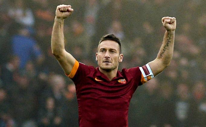 Roma'dan Francesco Totti'ye yeni sözleşme!