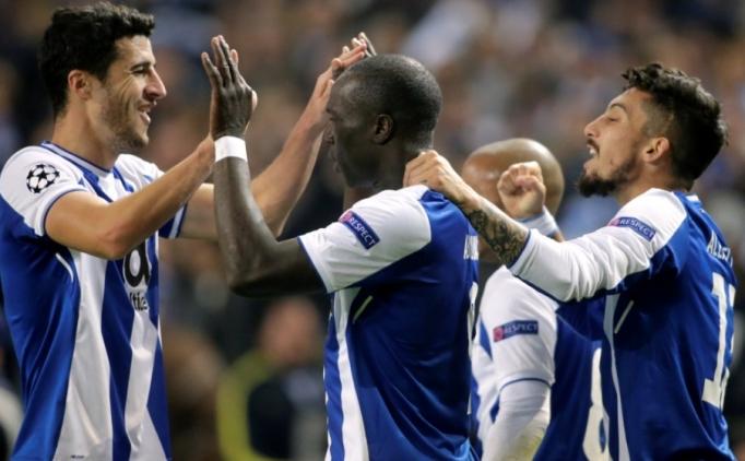 Porto'da Aboubakar ve Telles coştu, tur geldi