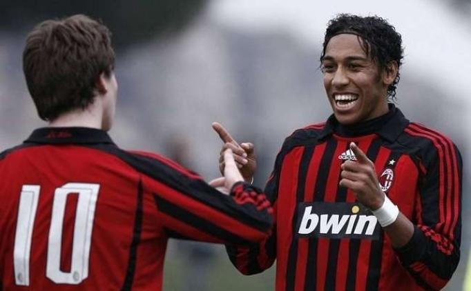 AC Milan, 1.8 milyon'a sattığı Aubameyang için 60 milyon teklif etti