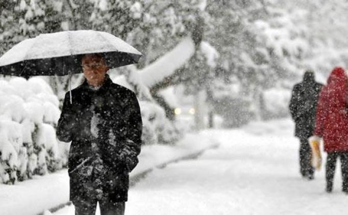 Yarın okullar tatil mi? Kar Yağışı nedeniyle okullar tatil edildi mi?