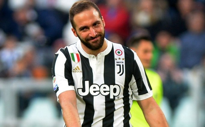 Juventus kazandı ve Napoli ile arayı açtı!