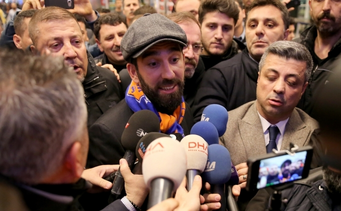 Başakşehir'in yeni transferi Arda Turan'dan ilk sözler!