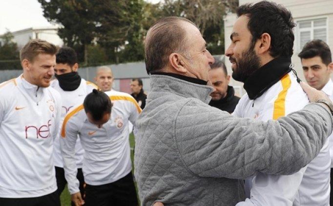 Galatasaray idmanında Selçuk'a doğum günü kutlaması