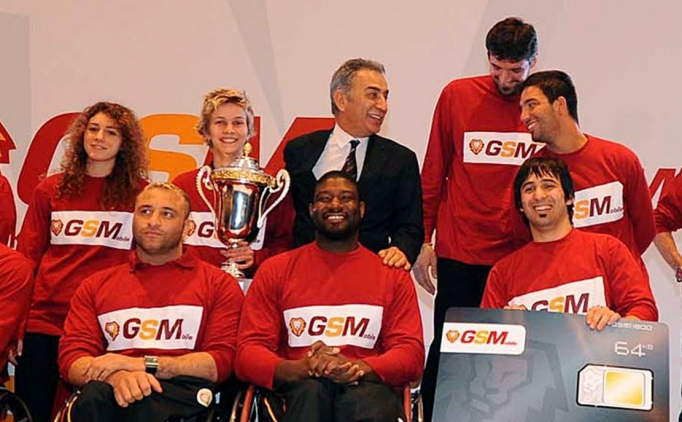 Galatasaray'ın kaptanından flaş Arda Turan paylaşımı