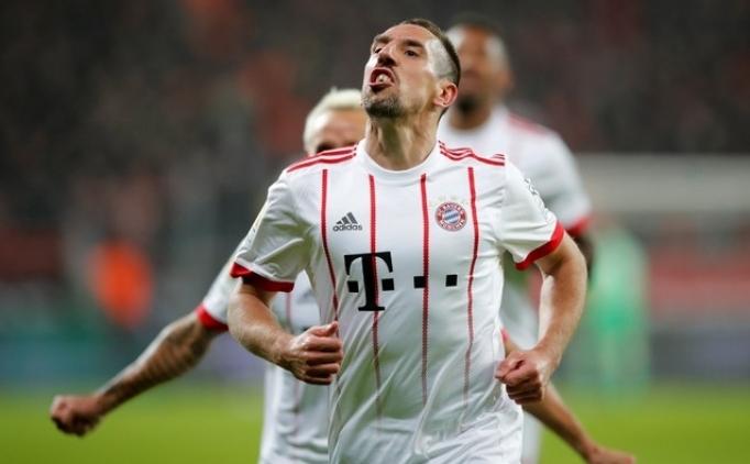 Bayern Münih zorlu deplasmandan 3 golle döndü!