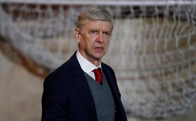 Arsene Wenger en az 1.5 yıl daha Arsenal'de!