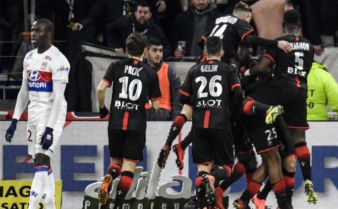 Lyon'dan evinde sürpriz kayıp! Rennes...