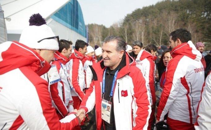 Bakan Bak PyeongChang'da milli sporcularla buluştu