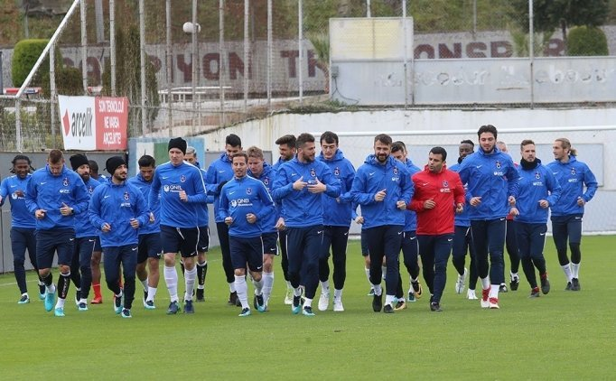 Trabzonspor'da iki ayrılık kararı