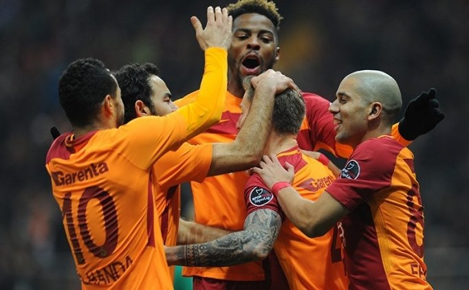 Galatasaray ilk maçta Akhisar'ı devirdi