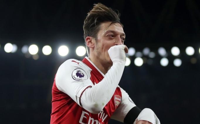 Mesut Özil imzayı attı! Kulüp rekoru...