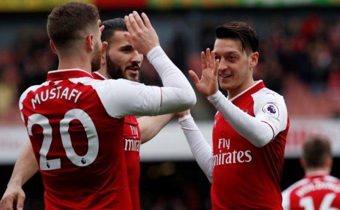 Mesut Özil rekor kırdı, Arsenal 1000'e ulaştı