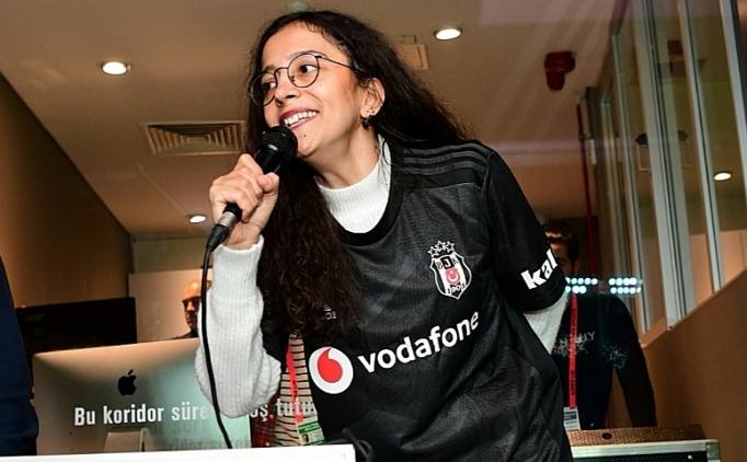 Beşiktaş'ın gol anonsu, engellere takılmayan Buket'ten!