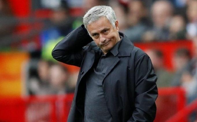 'Real Madrid'de futbolcular, Mourinho'yu engelledi'